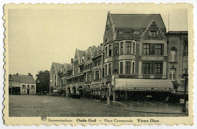 ''Gemeenteplein'' - Postkaart ''Albert''  Uitgever L.Naders, Oude-God - (sd).jpg